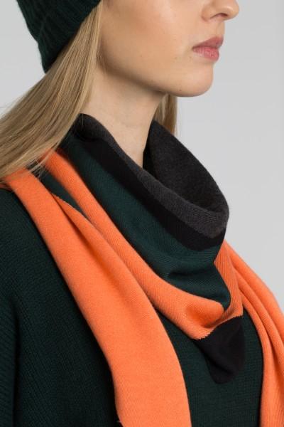 knit-scarf-akris